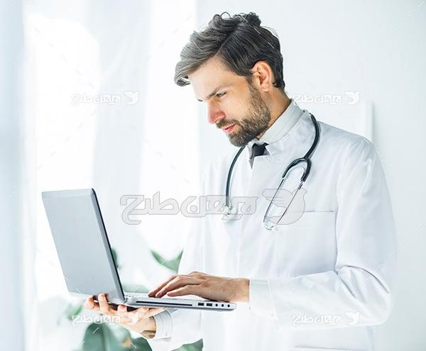 عکس پزشک و لب تاب