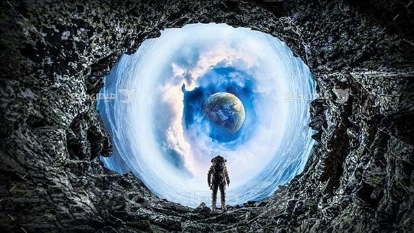عکس فضانورد و جهان