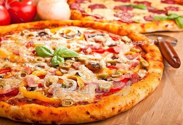 تصویر با کیفیت از پیتزا مخلوط