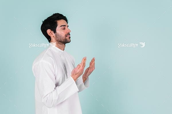 تصویر با کیفیت از دعا کردن مسلمان