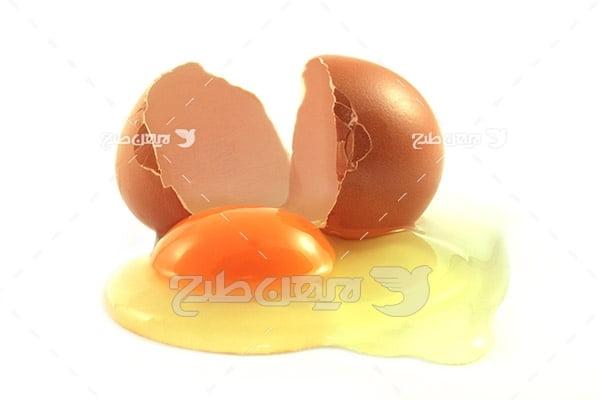 تخم مرغ شکسته و زرده