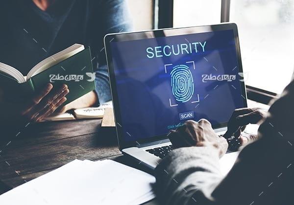 تصویر امنیت و تشخصی اثر انگشت بروی کامپیوتر و رایانه