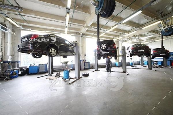 تصویر تعمیرگاه ماشین و اتومبیل