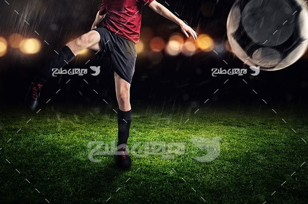تصویر ورزشی شوت کردن توپ