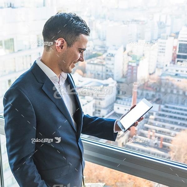 عکس انسان و تلفن همراه