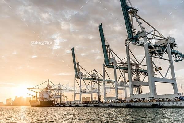 صنعت و حمل و نقل و گمرک و کشتی