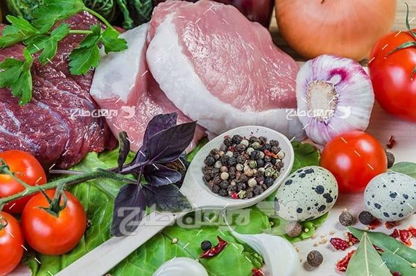 گوشت ماهی شیر و گوجه فرنگی