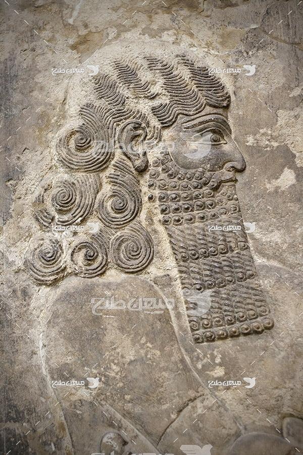 عکس سنگ نگاره پادشاه هخامنشی