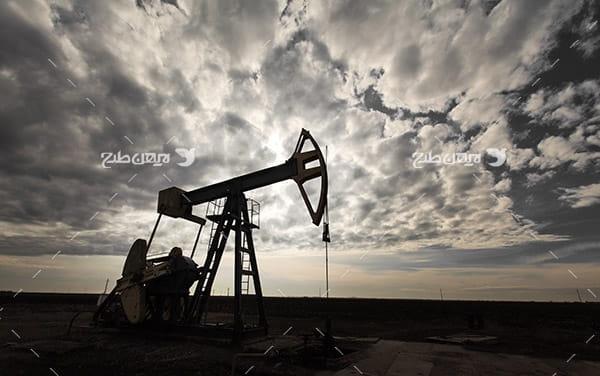 تصویر صنعتی از چاه برداشت نفت
