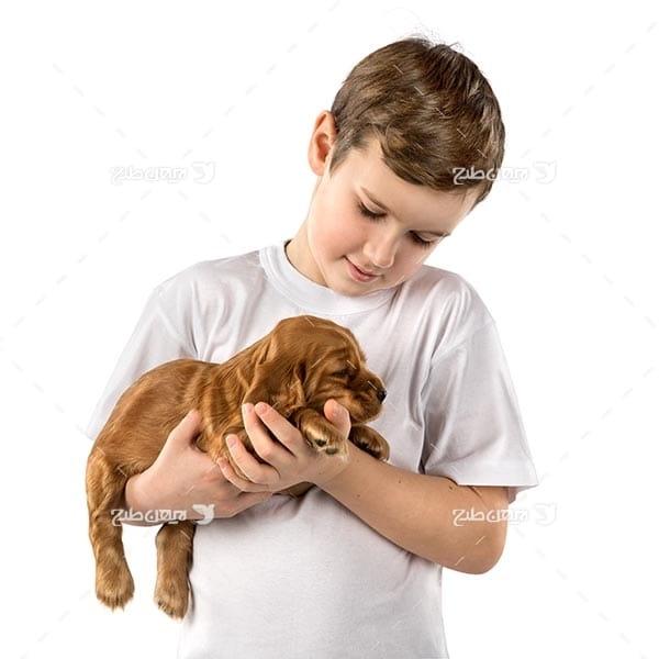 تصویر پسر بچه و سگ