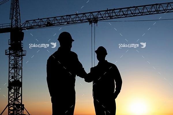 تصویر ضد نور از کارگزان و مهندسین صنعت