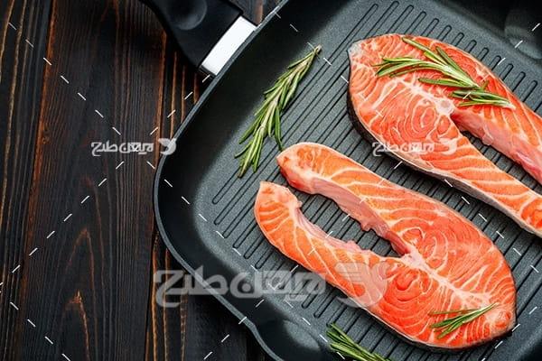 گوشت ماهی و ماهیتابه
