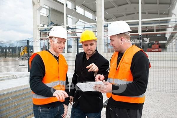 کارگر و مهندسین صنعت