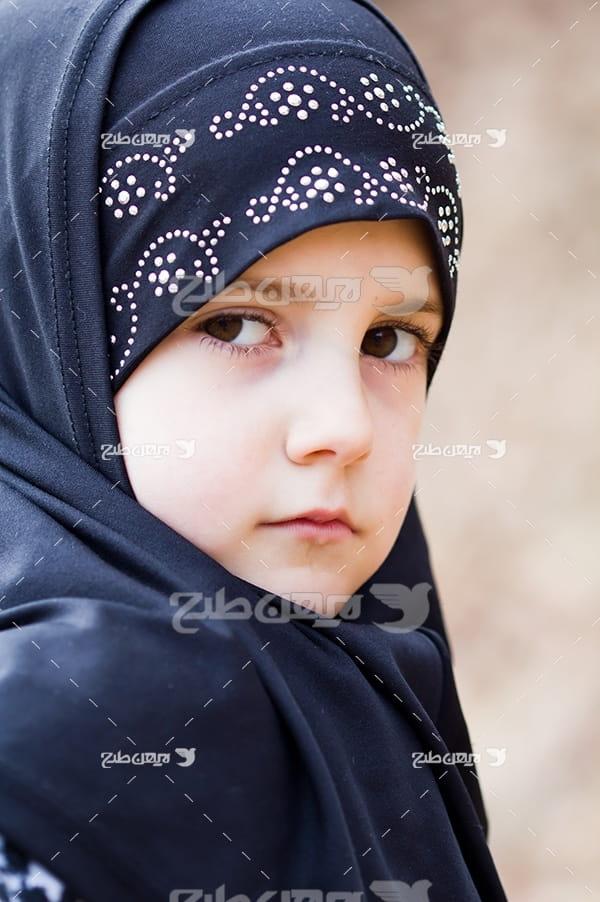 عکس کودک خردسال و حجاب