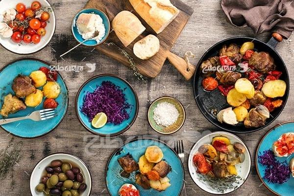 تصویر با کیفیت از میز غذا