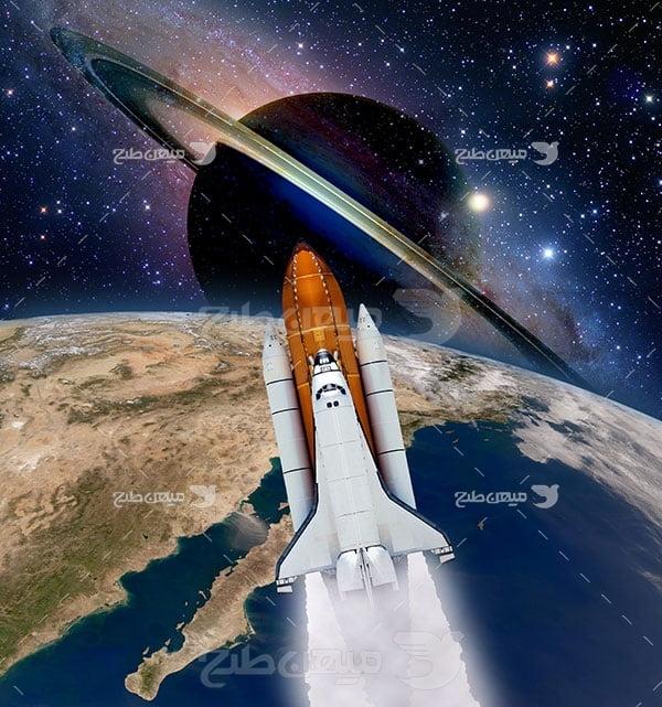 عکس فضاپیما و سیاره زحل و زمین