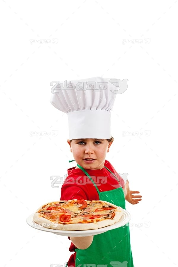 تصویر با کیفیت از پیتزا و آشپز