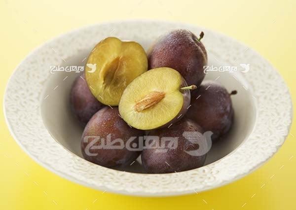 عکس میوه آلو سیاه