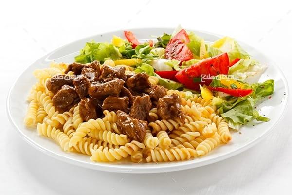 تصویر غذای ماکارونی و گوشت