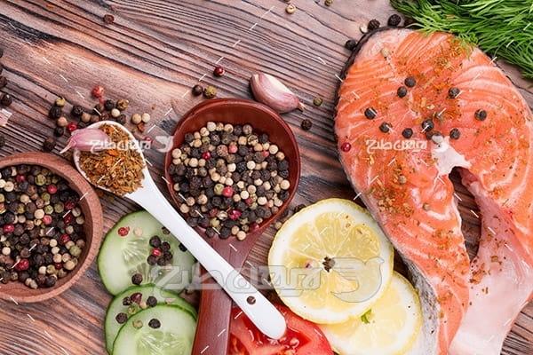 گوشت ماهی ، لیمو و ادویه جات