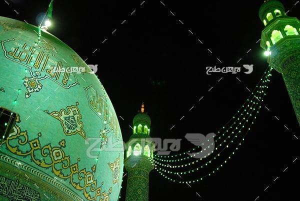 عکس گنبد و مناره با نور سبز
