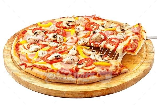تصویر با کیفیت از پیتزا طعم قارچ و گوشت