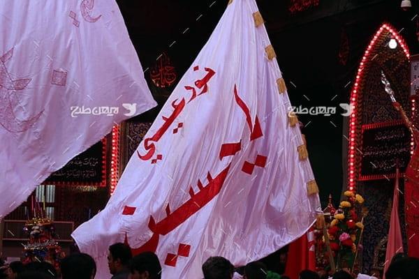 تصویر با کیفیت از پرچم امام حسین علیه السلام