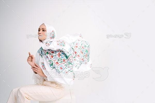 عکس تبلیغاتی خانم با حجاب و روسری