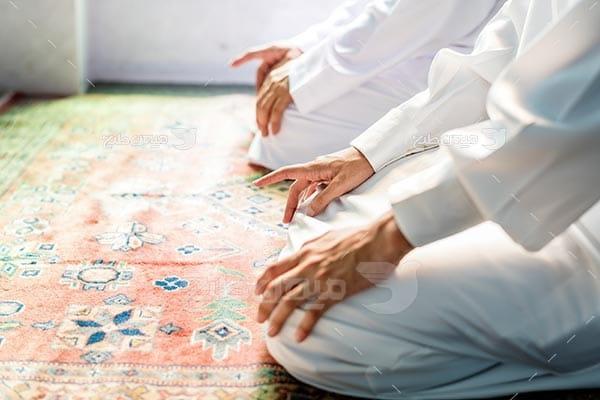 عکس نماز خواندن