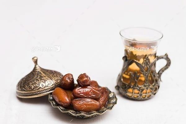 تصویر خرما و چای، رطب