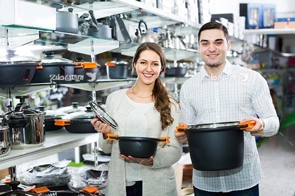 تصویر ظروف آشپزی و آشپزخانه، ماهیتابه و قابلمه، مرد و زن، آشپز