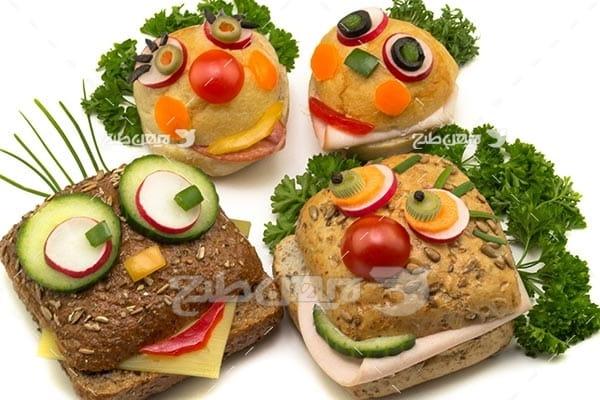 تصویر با کیفیت از سه ساندویچ