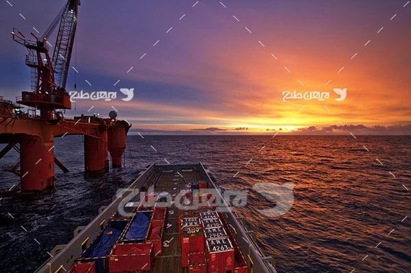 صنعت و حمل و نقل و کشتی و دکل نفتی