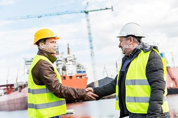 تصویر صنعتی گمرک، کشتی ، مهندسین صنعتی و دست