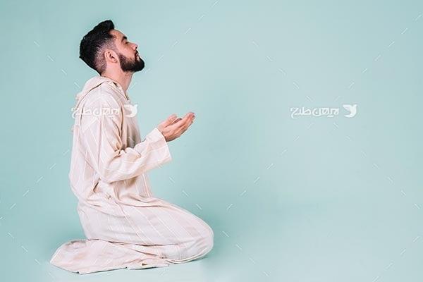 تصویر با کیفیت از مسلمان و نماز خواندن