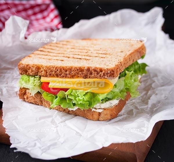 تصویر با کیفیت از ساندویچ سبزی جات