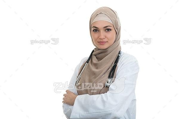 عکس تبلیغاتی پزشک خانم