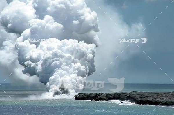 تصویر مواد مذاب در دریا