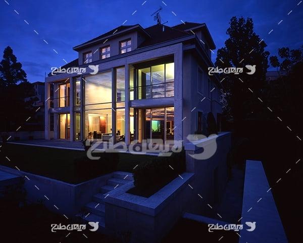 عکس خانه ویلایی در شب