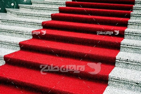 فرش قرمز و پله