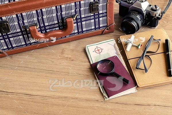 تصویر مسافرت و پاسپورت و عینک
