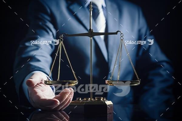 عکس با موضوع وکالت، وکیل و قاضی