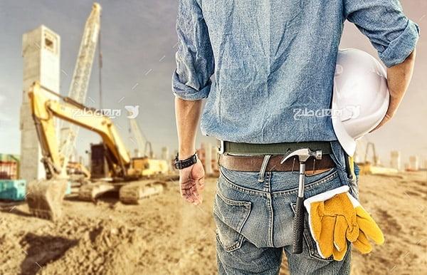 تصویر صنعتی از کلاه ایمنی و دستکش