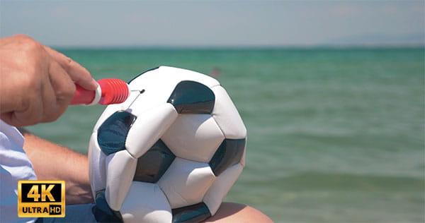 فوتیج ویدیویی باد کردن توپ فوتبال